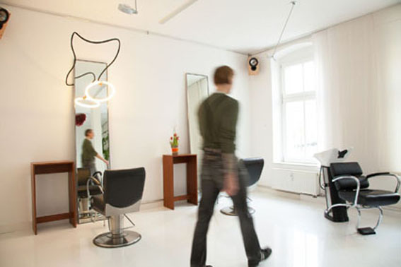 friseur berlin mitte sb guter friseur in berlin. Black Bedroom Furniture Sets. Home Design Ideas